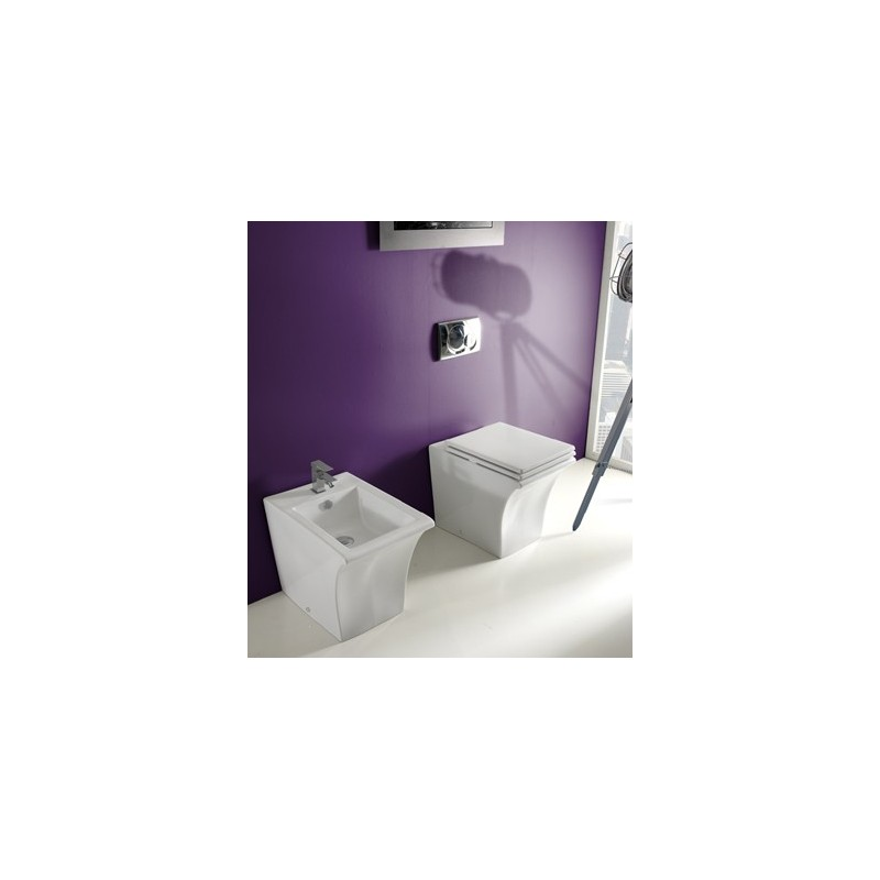 Vitruvit simply bathroom toilets for Simply bathrooms