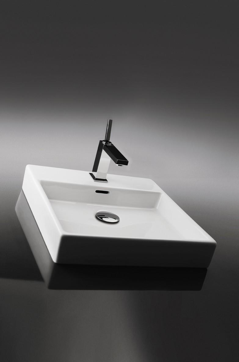 Varm Plain Bathroom Sinks